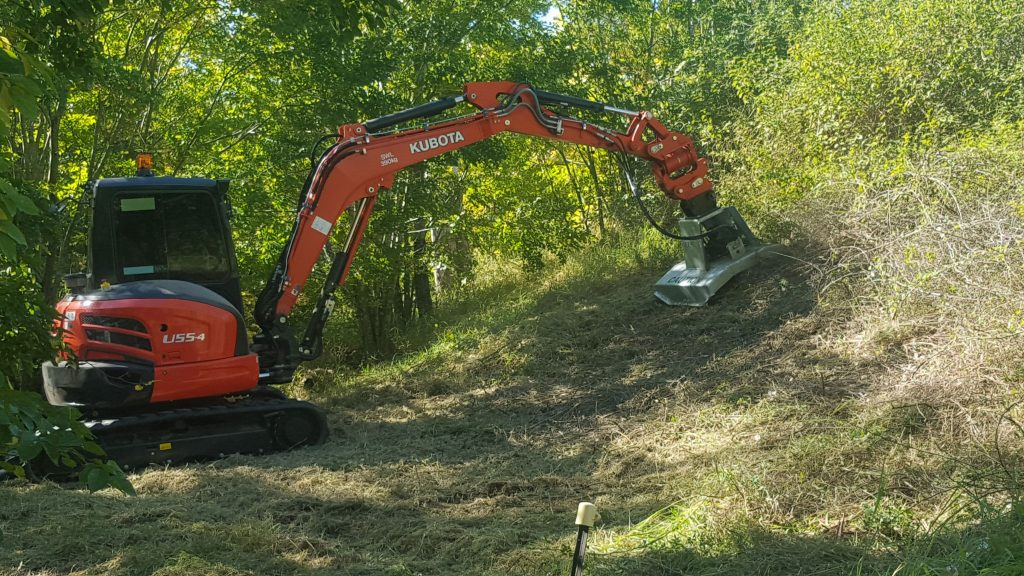 Excavator slasher